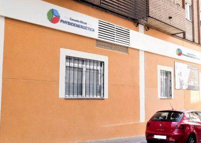 fachada-clinica-escuela-oficial-de-kinesiologia-holistica-jorge-chuan